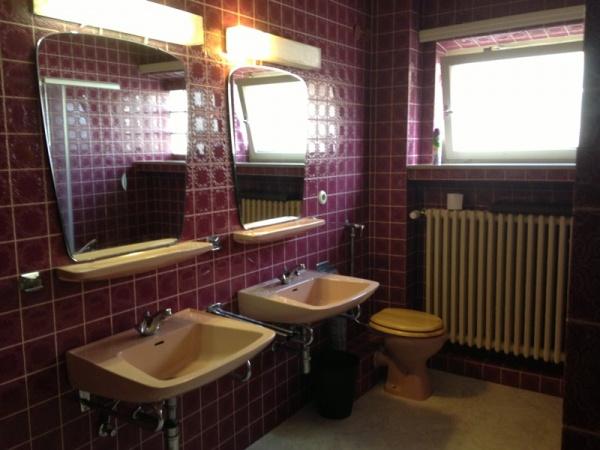Nice room in Limperstberg area