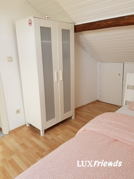 Short distance room from Cloche d'Or